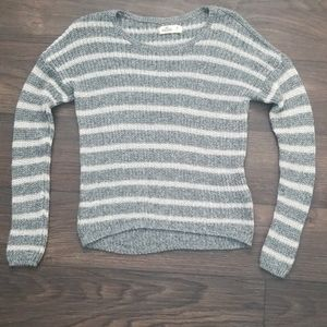 Hollister gray and white long sleeve crew sweater